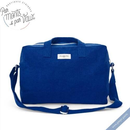 """On adore les jolies couleurs d'été de la collection """"Marseille"""" de chez Rive Droite !   Ni trop grand, ni trop petit, le Sauval City Bag est le sac qu'il vous faut pour vous accompagner partout cette saison !   Fabriqué en coton recyclé ♻️, sa doublure intérieure vous donnera des envies de vacances ⛱   Plus de produits et d'information sur notre e-shop 👉🏻 www.pmpv.paris  #pmpv#pmpvparis#parmontsparvaux#boulognebillancourt#sacamain#sac#marseillerivedroite#rivedroiteparis#upcycling#ethique#ecoresponsable#conceptstore"""